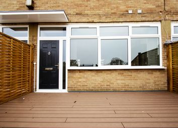 Thumbnail 1 bed flat to rent in Library Parade, Crockhamwell Road, Woodley, Reading