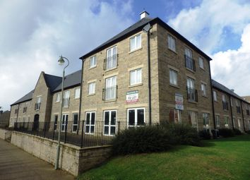 Thumbnail 1 bed flat to rent in Kingfisher Court, Witney, Oxfordshire