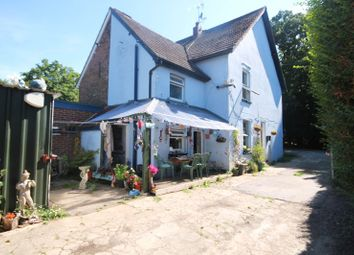 Thumbnail 2 bed cottage for sale in Balcombe Road, Crawley