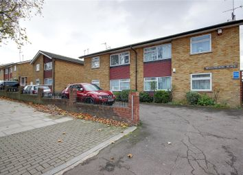 Thumbnail 2 bed maisonette for sale in Great North Road, East Finchley, London