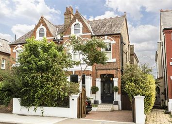 Thumbnail 6 bed property to rent in Chiswick Lane, London