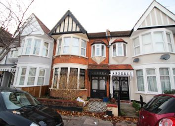 Thumbnail 1 bed flat to rent in Fleetwood Avenue, Westcliff-On-Sea