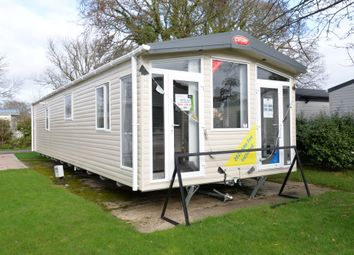 2 bed mobile/park home for sale in Hoburne Bashley, Sway Road, New Milton BH25