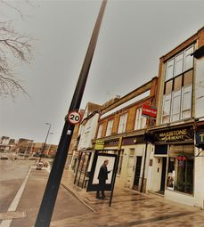 Thumbnail Studio to rent in High Street, Maidstone, Kent.