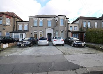 1 bed flat to rent in Mansfield Road, Ilford, Essex. IG1