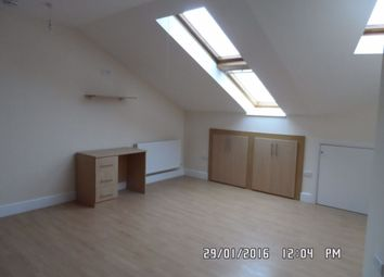 Thumbnail Studio to rent in Farnham Road, Slough