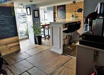 Thumbnail Restaurant/cafe for sale in Cafe & Sandwich Bars BD11, West Yorkshire