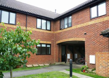 Thumbnail 1 bed flat to rent in Orchard End Avenue, Amersham