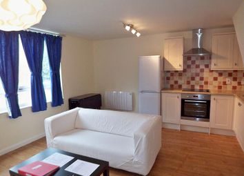 4 bed maisonette to rent in Blomfield Court Westbridge Road, London SW11