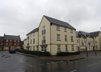 Thumbnail 2 bed flat for sale in Vistula Crescent, Swindon