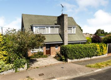 Delta Road, Hutton, Brentwood, Essex CM13. 3 bed detached house