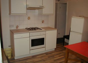 Thumbnail 1 bedroom flat to rent in Royal Park Mount, Hyde Park, Leeds