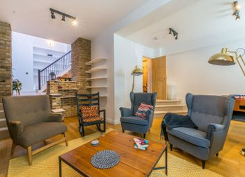 2 bed maisonette to rent in Beatty Road, Stoke Newington N16