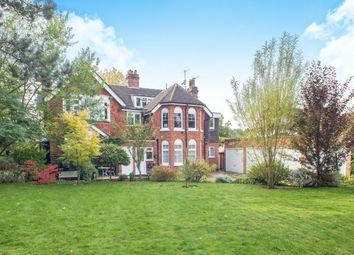 Thumbnail 2 bedroom flat for sale in Ashtead, Surrey, Engalnd