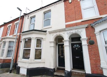 4 bed property to rent in Holly Road, Abington, Northampton NN1