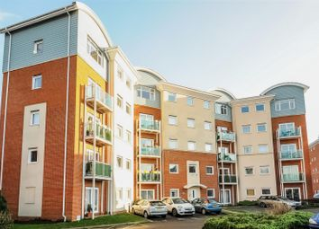 Thumbnail 2 bed flat to rent in Rubeck Close, Redhill