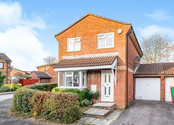 Galloway Close, Basingstoke RG22. 3 bed link-detached house for sale