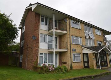 Thumbnail 2 bedroom flat to rent in Pinchfield, Maple Cross, Rickmansworth, Hertfordshire