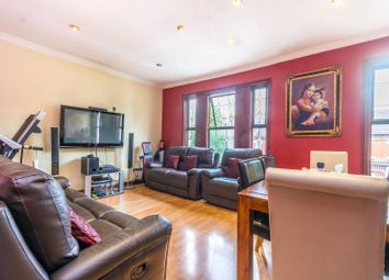 Thumbnail 2 bedroom flat for sale in Hardwicke Road, Bowes Park