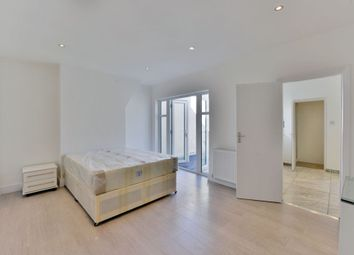 Thumbnail 1 bed flat to rent in Sandringham Road, Golders Green
