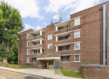 3 bed flat for sale in Hillcrest, London N6
