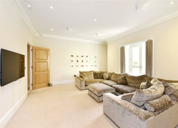 Thumbnail 2 bedroom flat for sale in Eaton House, 38 Westferry Circus, London