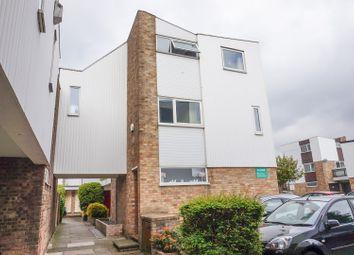 Thumbnail 2 bedroom link-detached house for sale in Regency Walk, Croydon
