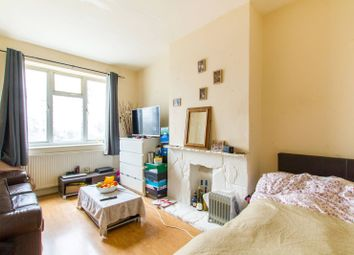 Thumbnail 2 bedroom flat for sale in Nether Street, West Finchley