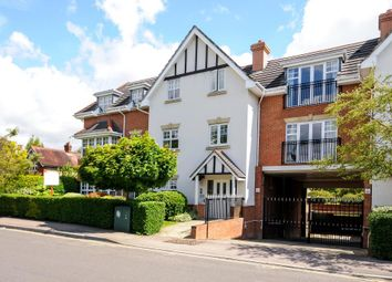Thumbnail 2 bed flat to rent in 6 Claremont Avenue, Woking