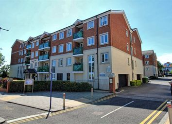2 bed flat for sale in Hamlet Court Road, Westcliff-On-Sea, Essex SS0
