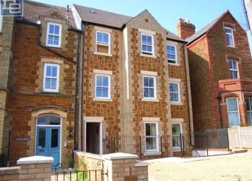 Thumbnail 2 bed flat to rent in Avenue Road, Hunstanton
