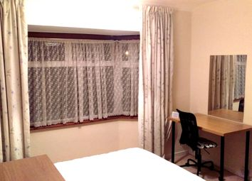 Thumbnail Room to rent in Brook Avenue, Edgware