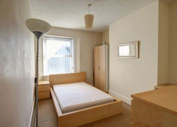 Thumbnail 1 Bedroom Property To Rent In Oak Close North Street Heavitree Exeter