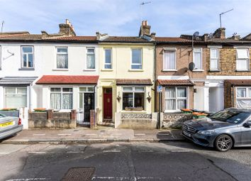 Thumbnail 2 bed property for sale in Tower Hamlets Road, London