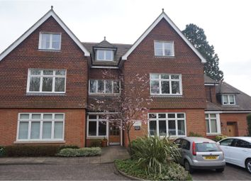 Thumbnail 2 bed flat to rent in 154 Croydon Road, Reigate