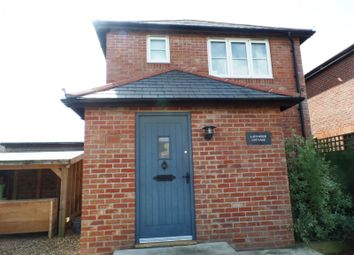 Thumbnail 2 bedroom detached house to rent in Leather Bottle Lane, Chichester