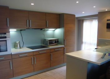 Thumbnail 2 bed flat to rent in East Street, Leeds