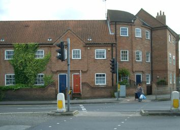 Thumbnail 2 bed town house to rent in Queens Street, Newark