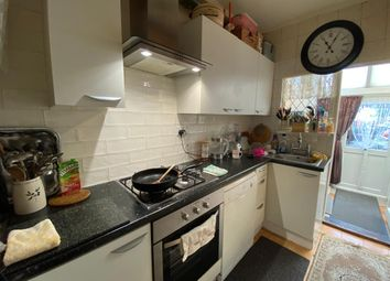 3 bed link-detached house to rent in Gordon Road, Ilford IG1