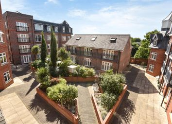 Thumbnail 2 bedroom flat to rent in Leret Way, Leatherhead