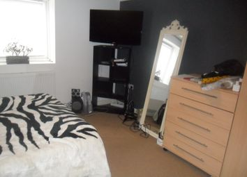 Thumbnail 2 bedroom flat to rent in Oxford Road, Reading