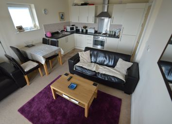2 bed flat to rent in Overstone Court, Butetown, Cardiff Bay CF10