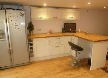 Thumbnail Room to rent in Bicton Street, Exmouth
