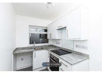 2 bed flat to rent in Beech Court, Liverpool L18