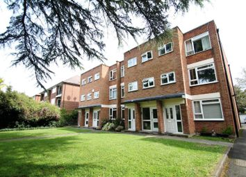 Thumbnail 1 bedroom flat to rent in The Avenue, Berrylands, Surbiton