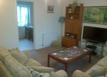 Thumbnail 2 bed flat to rent in High Avenue, Herts