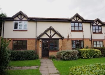 Thumbnail 2 bed flat for sale in Peel Court, Slough