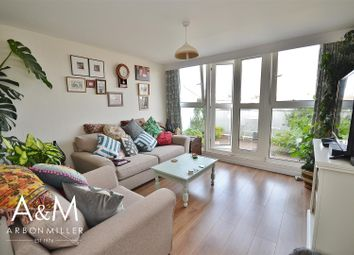 Thumbnail 2 bed flat to rent in Limes Avenue, Chigwell