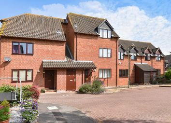 Thumbnail 1 bedroom flat for sale in Yew Close, Oxford