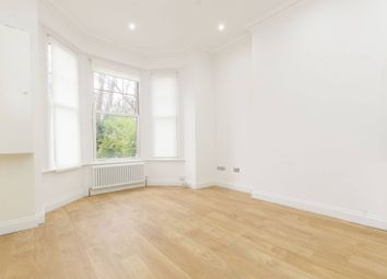 Thumbnail 1 bed flat to rent in Kings Avenue, Brixton